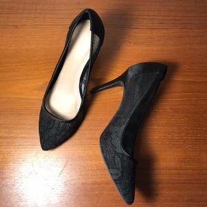 Kelly & Katie Black lace Pumps shoes heels 8